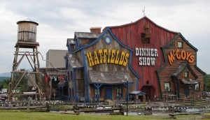 hatfields-mccoys-dinner-show-1024x588