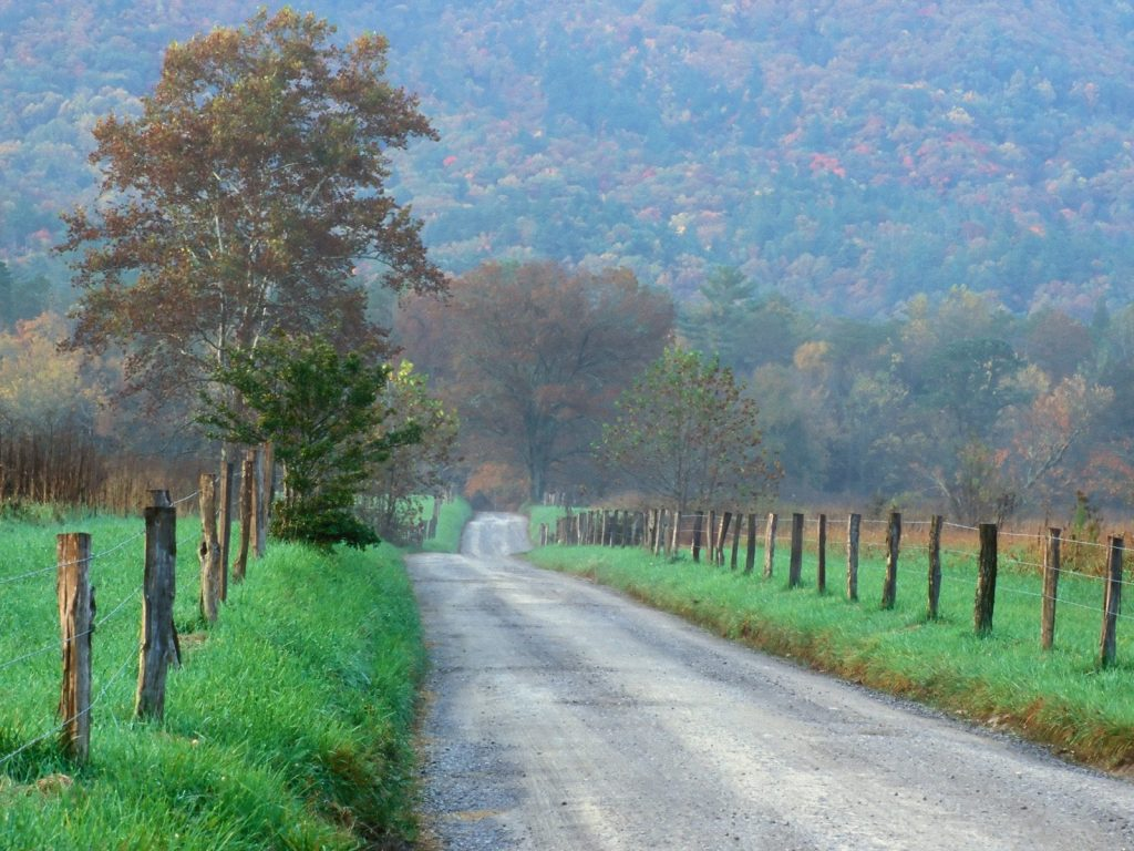 7 smoky mountain towns you need to visit the all for Places to go horseback riding near me