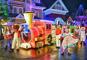 Things to do pigeon forge december - Dollywood