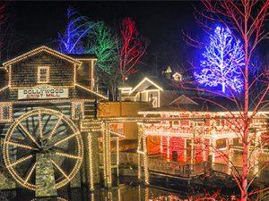 Gatlinburg Christmas.Gatlinburg Winter Magic Trolley Ride Of Lights Christmas