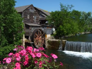 7 FREE ACTIVITIES TO DO IN PIGEON FORGE