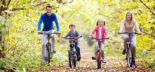 Gatlinburg_family_biking-650x330px