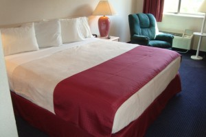 hotel-pigeon-forge-king-bed