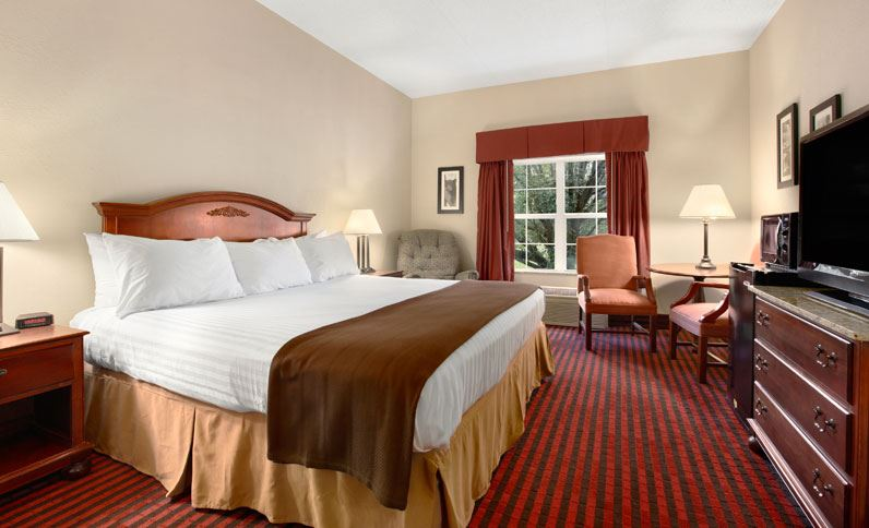 Ramada Pigeon Forge North Traditional Room