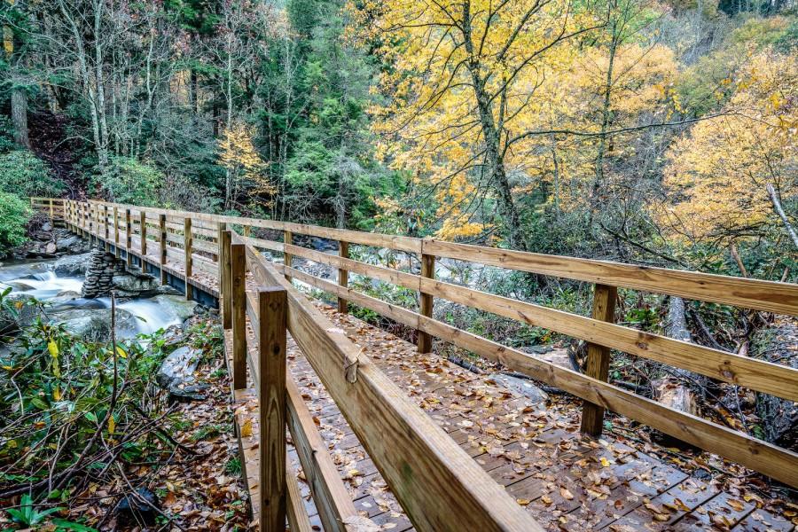 Great-smoky-mountains-national-park-bridge-to-chimney-tops-trail-gatlinburg-pigeon-forge-tn