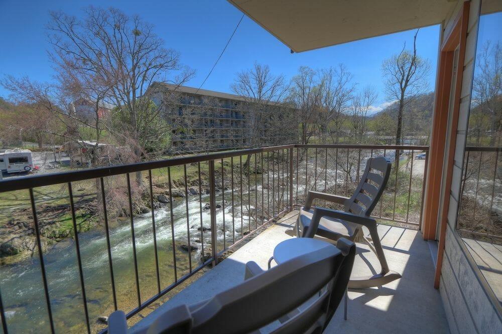 creekstone inn gatlinburg vacation packages. Black Bedroom Furniture Sets. Home Design Ideas